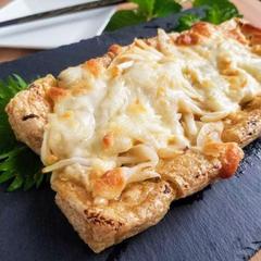 トースター仕上げ♪栃尾揚げの新玉味噌チーズ
