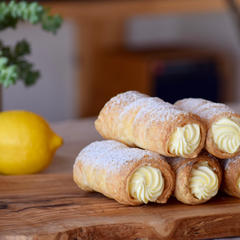 レモンクリームのサクサク♪パイコロネ