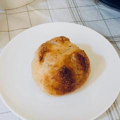 自家製酵母で作る全粒粉入プチパン