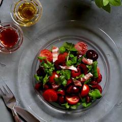 プチトマトとアメリカンチェリーのサラダ
