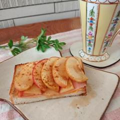食パンアレンジ リンゴハムチー