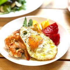 野菜と海老のグリル ビスマルク風