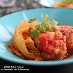 キャベツ消費に最高♡手羽元とキャベツのトマト煮
