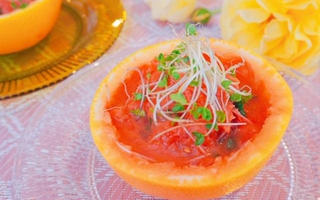 スプラウトとグレープフルーツのサラダ