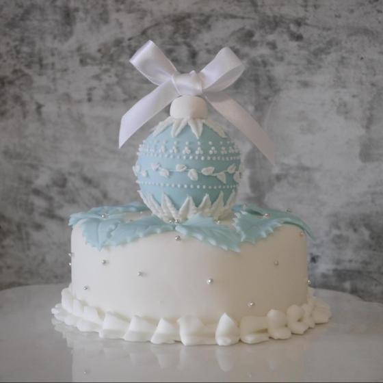 ウエッジウッド柄のクリスマスケーキ