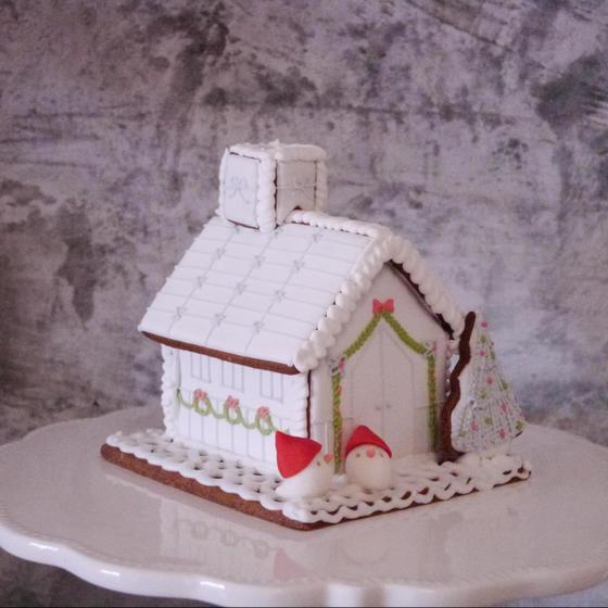 小鳥のさえずりクリスマスお菓子の家