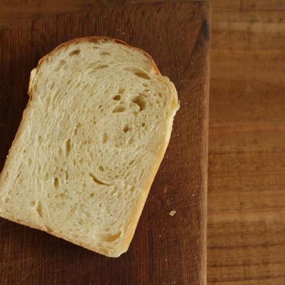 バターを塗って軽くトーストして」