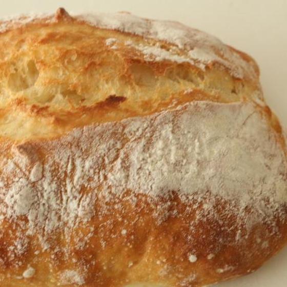チャバタは横に伸びるパン