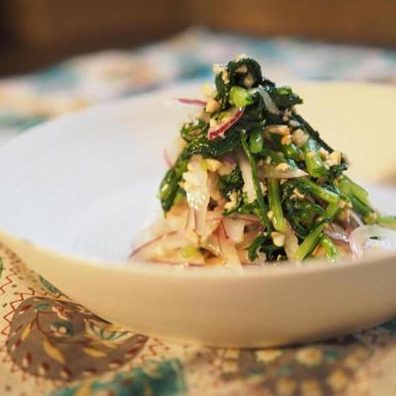 春菊のカシューナッツサラダ