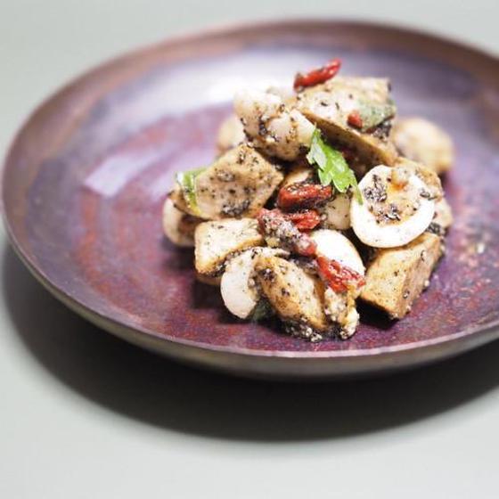 里芋とうずら卵のサラダ