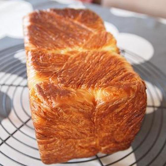 初心者もお店みたいなデニッシュ食パンが作れる折り込みレッスン