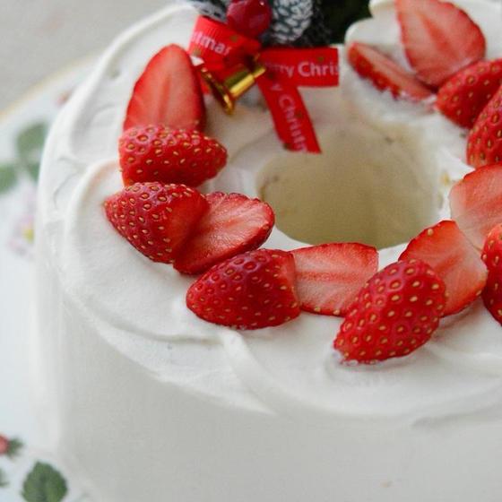 バニラシフォンのデコレーションケーキ
