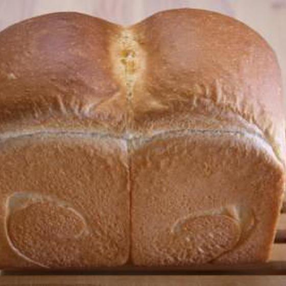 インターミディエイト 山型食パン・カレーベーコンロール