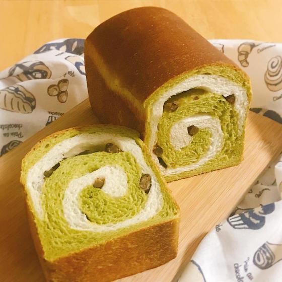 酒種酵母で作る『 抹茶の渦巻き食パン 』