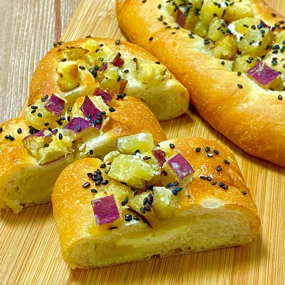 天然酵母 白神こだまで焼く『さつま芋のはちみつバターぱん』