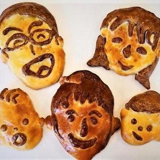 夏休みだよ親子教室!マーブルココアパンと顔パンを作ろう