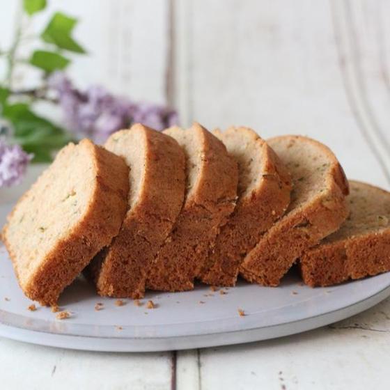 夏野菜を使った 米粉のズッキーニケーキ(小麦、乳製品不使用)