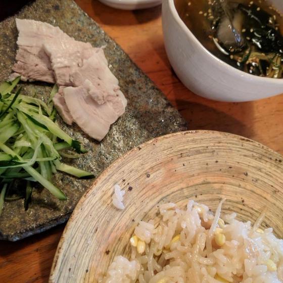 甘辛酸っぱい韓国料理で残暑を乗り切ろう!