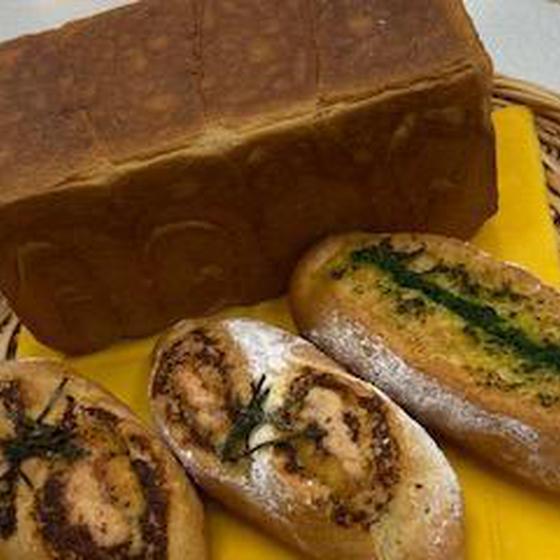 みそ生食パンと明太フランスとガーリックフランス♡