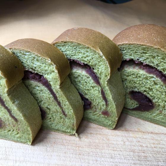 緑茶あんロール食パン