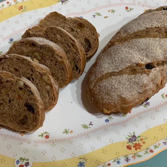 シナモンフリュイのパンとバターチキンカレーのランチ