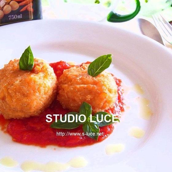 シチリアの定番「アランチーニ」やナスと挽肉のグラタン