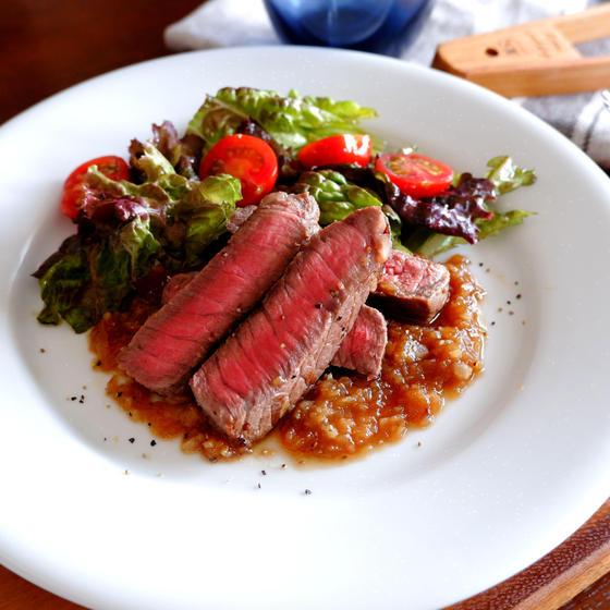 牛肉のソテー シャリアピンソース