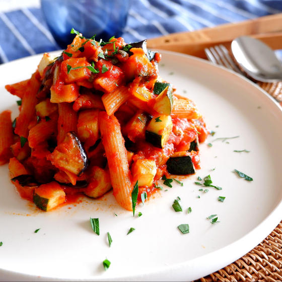 トマトソースの菜園風パスタ