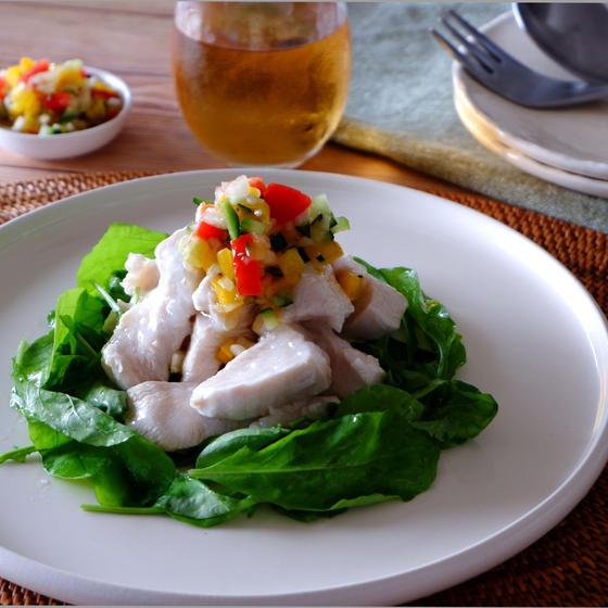 柔らか茹で鶏 たっぷりライムのソース