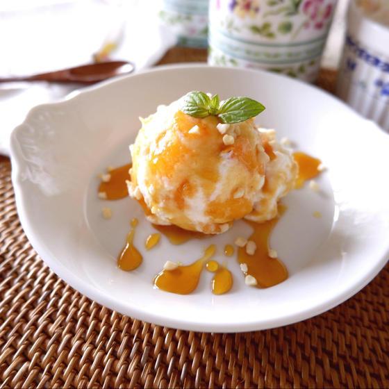 柿とリコッタチーズ カラメルソース添え