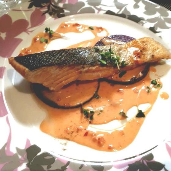 お魚ポワレのトマトクリームソース
