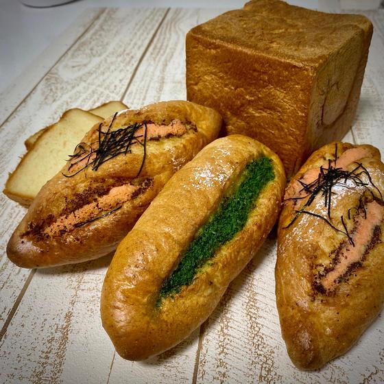 『みそ生食パン、明太&ガーリックフランス』