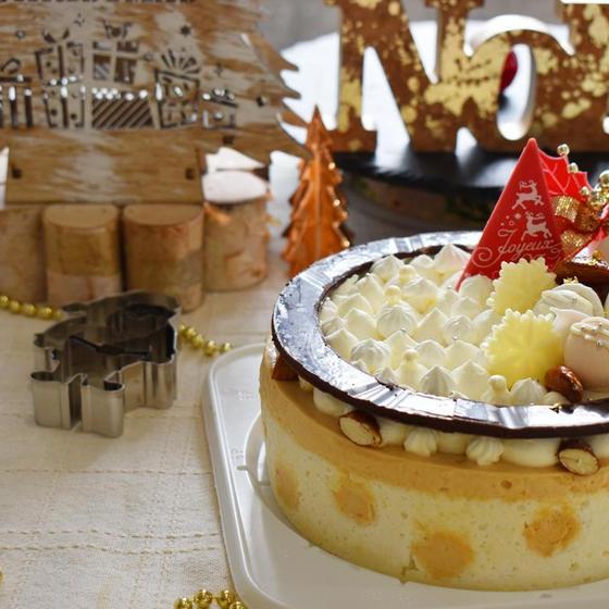 キュン!クリスマスケーキはドットカラメルムース