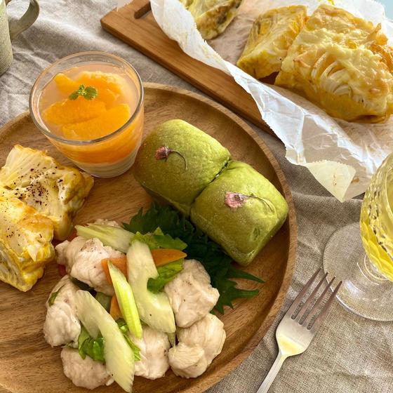 抹茶ミルククリームパン&春DELI3品