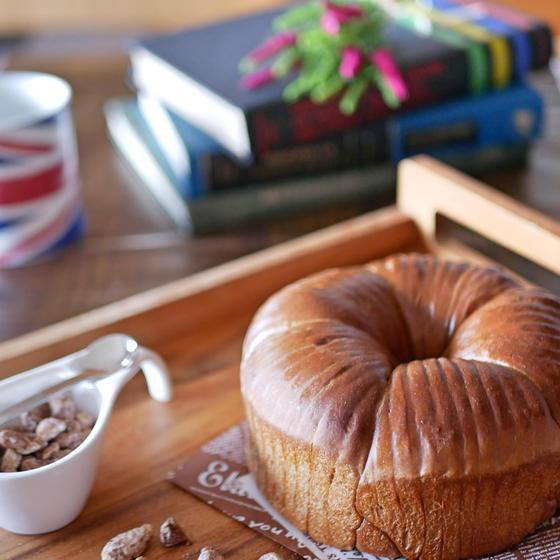 ウールロールパン (cafe nuts)