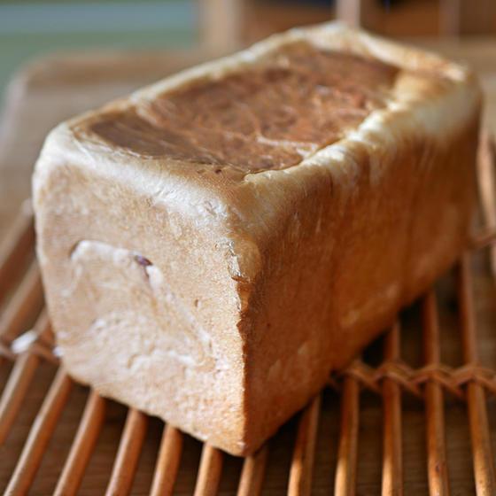 あん食パン 1.8斤(1.5斤)ケース使用