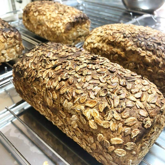 自家製酵母で作るドイツパンと2色のツオップ