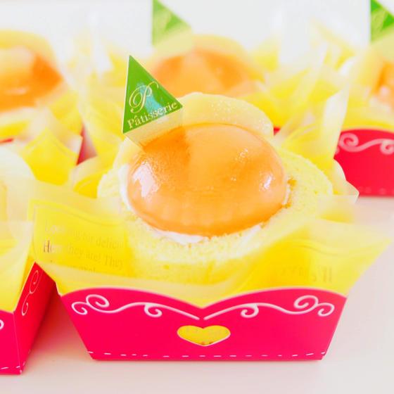 白桃ロールケーキ
