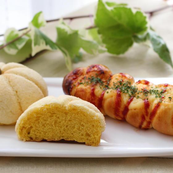 夏休み親子レッスン「ウインナーロールパン&かぼちゃメロンパン