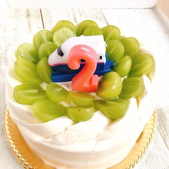シャインマスカットのデコレーションケーキ