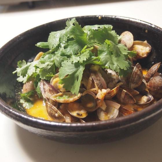 タイ人のソウルフード、ナムプリックパオを使った料理レッスン