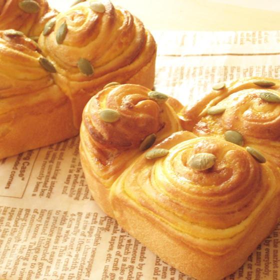 ハートのかぼちゃパン&パンオノアとポンデカラメロ