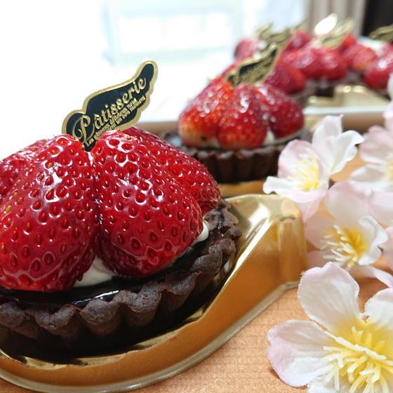タルトM「苺とチョコのタルトレット」4月コースレッスン♪
