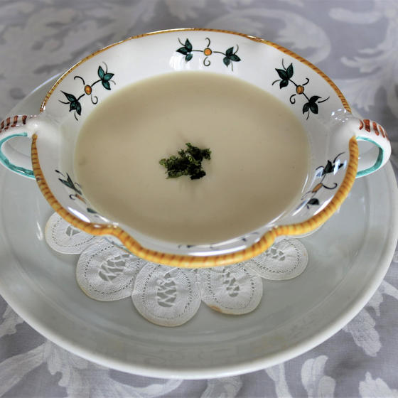 冷たいスープ「ヴィッシーソワーズ」