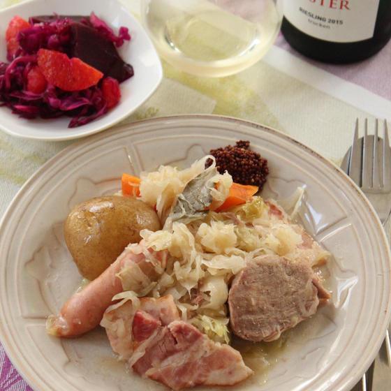 アルザス地方の伝統料理「シュークルート」