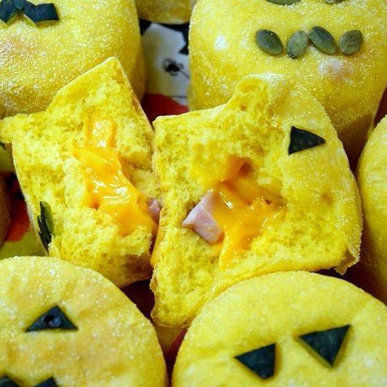 【厚焼きマフィン】 ブロックベーコン&さいの目チーズ!