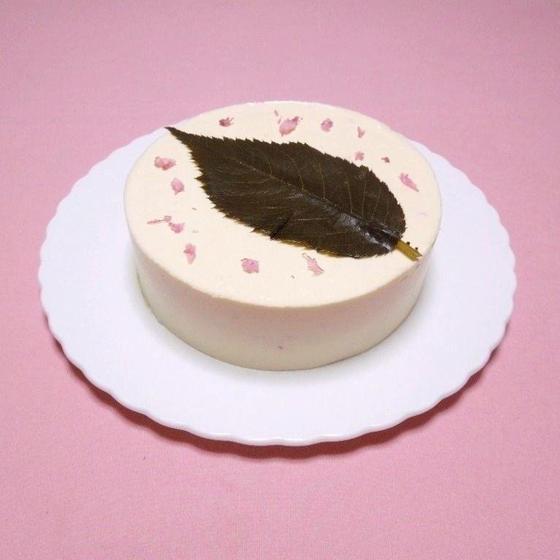 桜のレアチーズケーキ