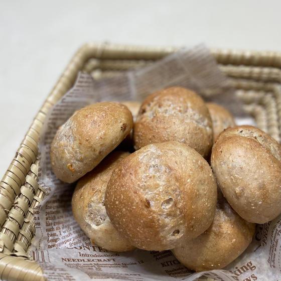 とかち野天然酵母で作る全粒粉入り『くるみプチパン』