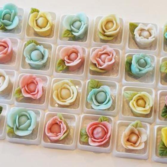 デコ和菓子体験!練り切りで「ばら」を作ります。