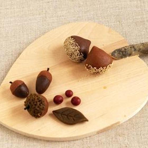 季節の和菓子レッスン 「州浜と紅白饅頭」